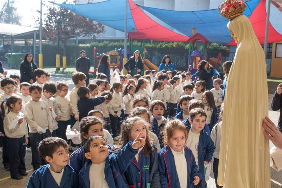 Virgen Peregrina visita a los más pequeños del Colegio de La Salle