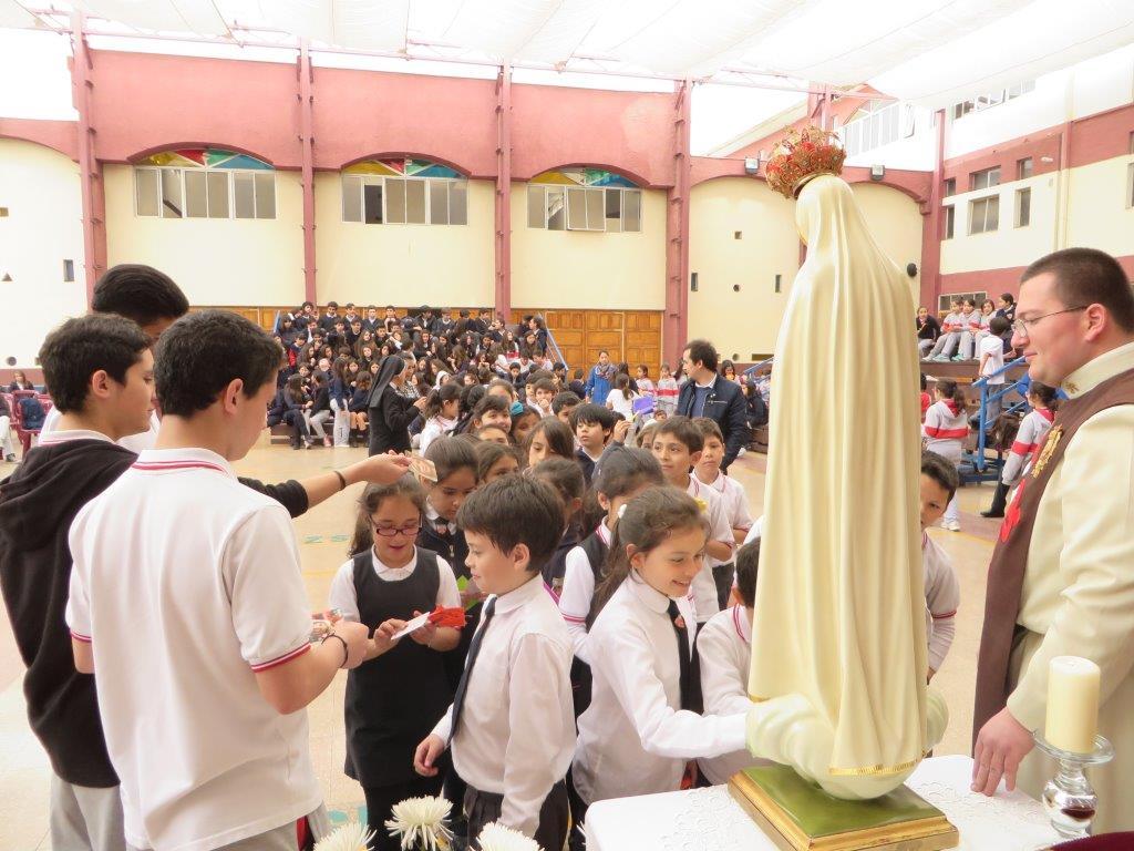 Virgen Peregrina visita Colegios en Ñuñoa