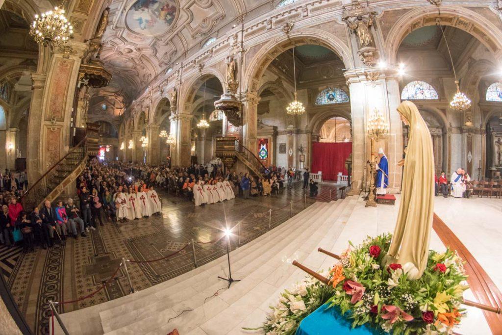 Masiva celebración del centenario de la aparición de Nuestra Señora en Fátima